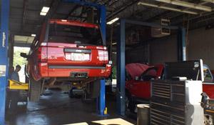hilgarts-auto-service-and-repair-roscoe-il-bays